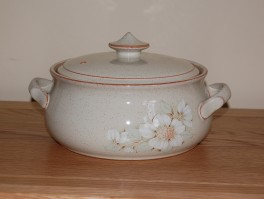 Denby Daybreak (Older colour, paler rim) Casserole Dish - Large