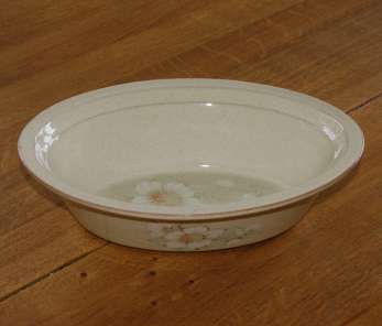 Denby Daybreak (Older colour, paler rim) Pie Dish