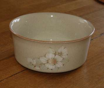 Denby Daybreak (Older colour, paler rim) Souffle Dish - Small