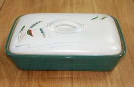 Denby Greenwheat  Divided Dish with lid