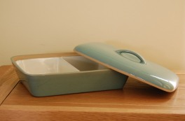 Denby Manor Green  Divided Dish with lid