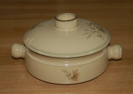 Denby Memories (Older style, slight speckles) Casserole Dish
